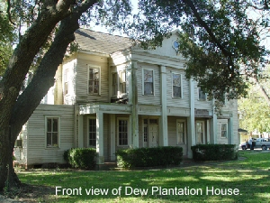 Front view of Dew Plantation House.
